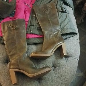 Gianni Bini Olive leather 9.5  knee high boots